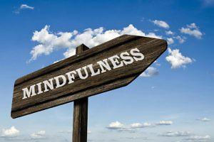 mindfulness-versus-a-full-mind-SophiaMagazine